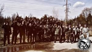 Foto grupal de milicias pro-Maidan, en las que se integran grupos de anarquistas.